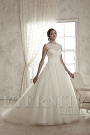 Dress: D5338 Designer: Eternity Bride